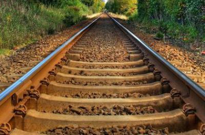 В Мариуполе построена новая железная дорога соединяющая мариупольские комбинаты с портом Азовского моря.